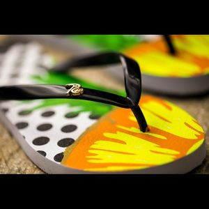 2a3f563088fcf Rio Custom New Women s Tropical Flip Flops
